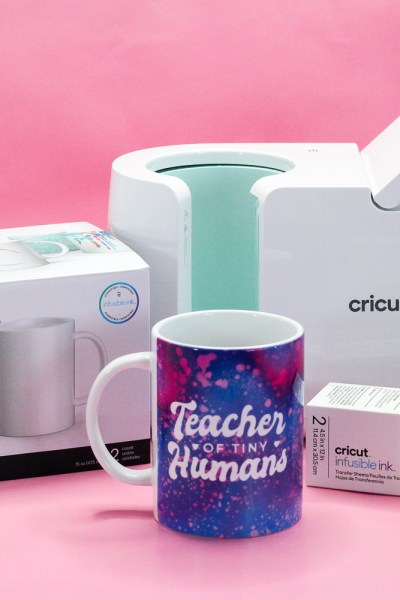 Cricut Mug Press featured by Sugarcoated Housewife learn how to use the new Cricut Mug Press and step by step tutorial