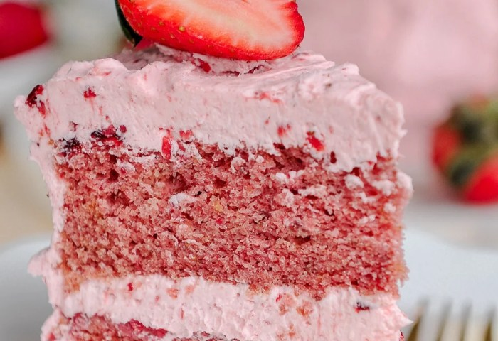 Strawberry Cake Made With Real Strawberries Sugar Geek Show