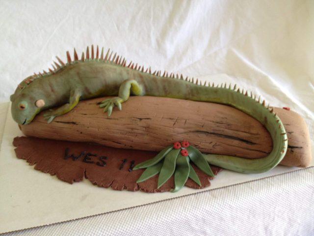 iguana cake fondant