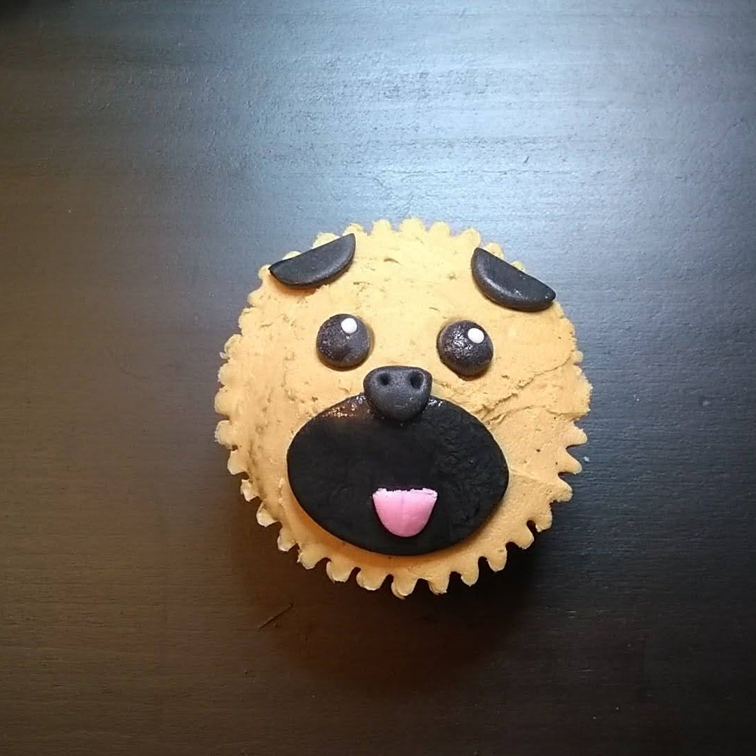 pug dog cupcake