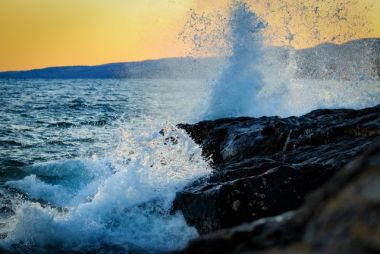 Storms and Shipwrecks on Lake Superior