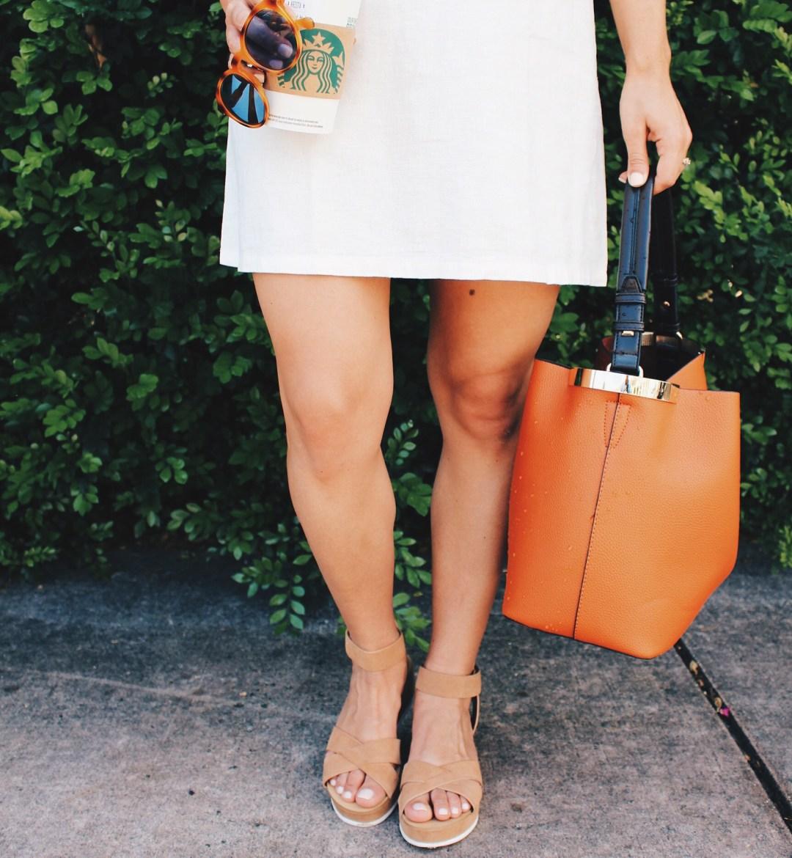 White Linen Dress - Fashion Blogger