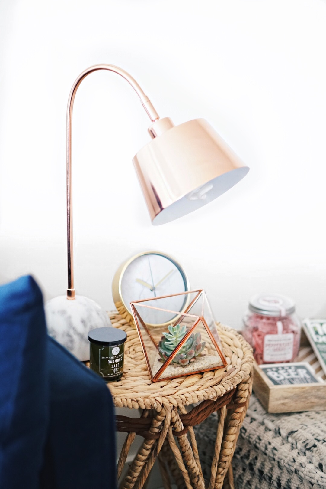 How to Decorate an End Table