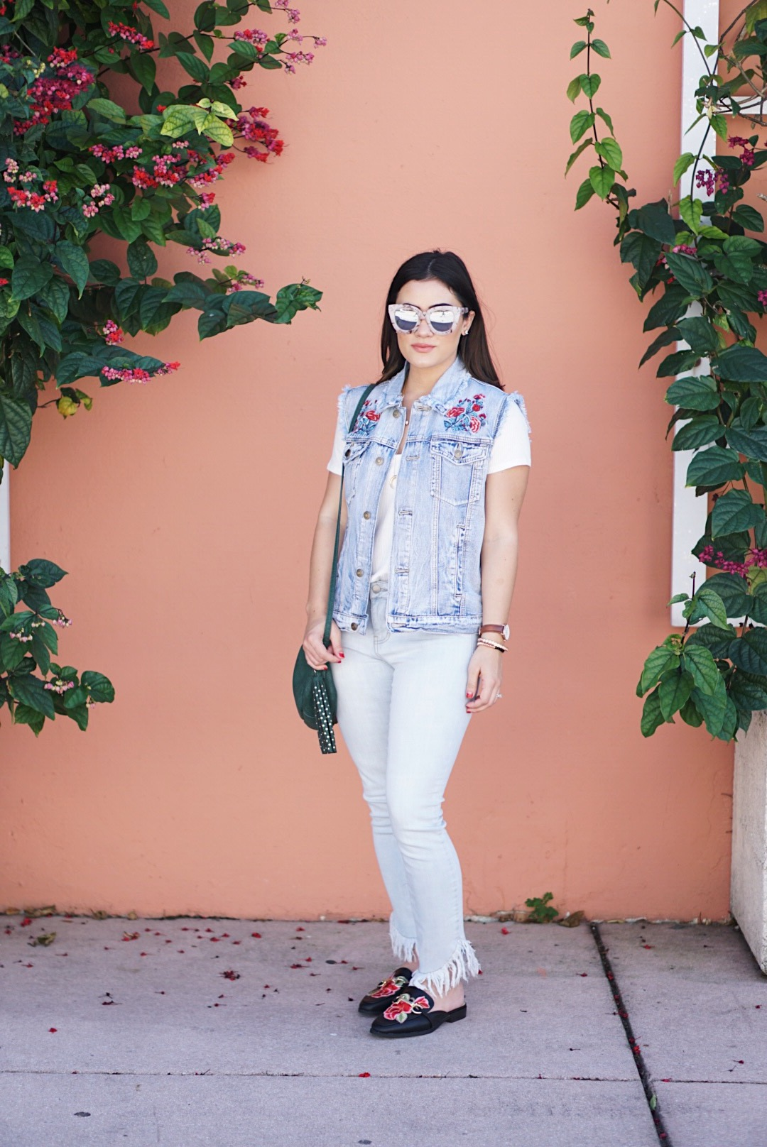 Blogger Krista Perez from Sugar Love Chic styles forever21 denim vest for Spring