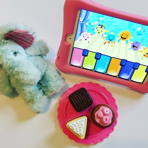 Favorite Toddler iPad Apps - Fischer Price Giggle Gang