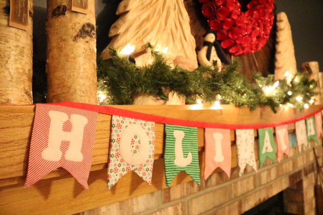 Holiday Cheer Mantle with Banner