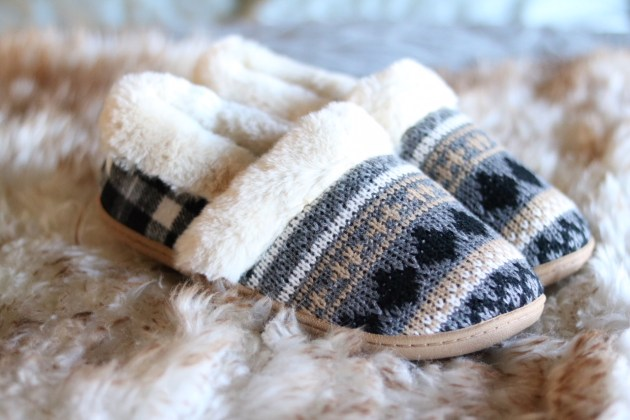 Gift Guide For The Cozy Mom - A&I Slippers
