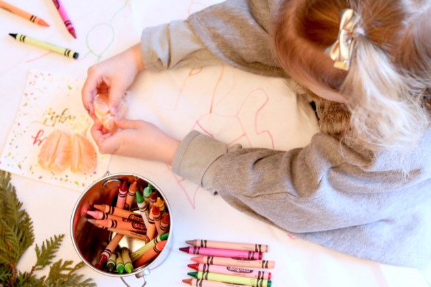 DIY Colorful and Fresh Christmas Kids Table - Cuties are for Family
