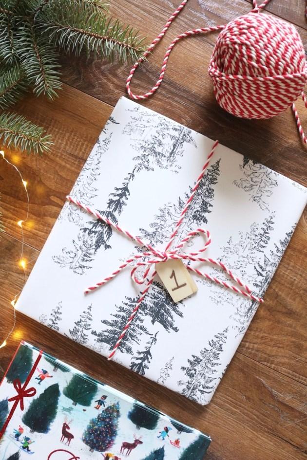 diy christmas book advent calendar sugar maple notes. Black Bedroom Furniture Sets. Home Design Ideas