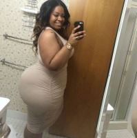 Sugar Mummy Lovisa Needs Someone To Make Her Feel Happy - Chat With Her On WhatsApp