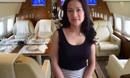 Sugar Mummy In Private Jet