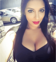 Rich UAE Sugar Mummy In Dubai Is Looking For Guy That Can Satis-Fy Her