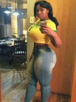 Sugar Mummy Dammie Is Online Now And Wants To Chat With You