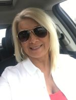 Sugar Mummy In USA Wants To Hang Out With You - Msg Her NOW!