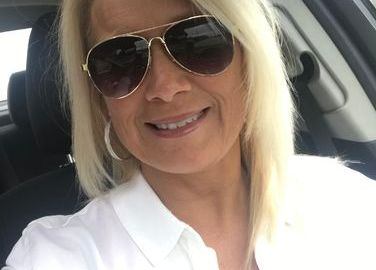 Sugar Mummy In USA Wants To Hang Out With You
