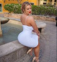 Rich Sugar Mummy Angelina Is Looking For A Serious Sugar Boy – Chat Her Now