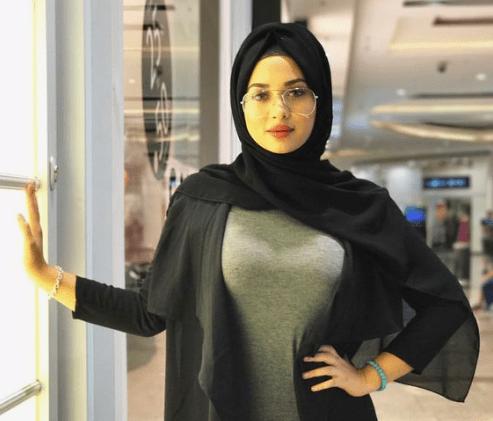 Arabian Sugar Mummy In Dubai