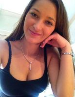 Rich Sugar Mummy Nina From Dubai, UAE Is Searching For Love – Chat Her Up Now