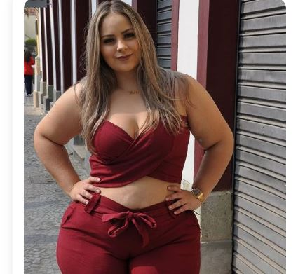Rich Sugar Momma In USA Sent You Her Direct Phone Number