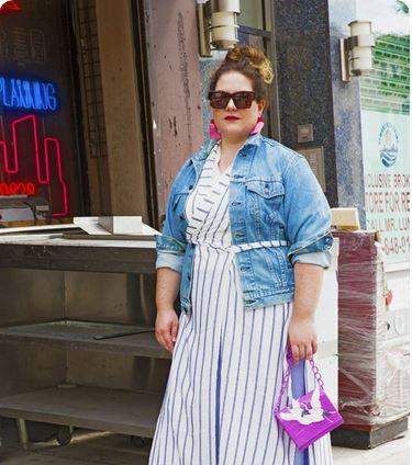 This Rich Sugar Mummy In USA Wants To Give You Money, Job, Scholarship, Car, Visa