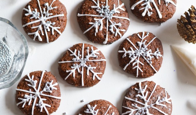 Snowflake Chocolate Cookies and 1 Year Anniversary Giveaway!