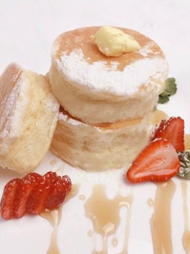 Jiggly Japanese Soufflé Pancakes