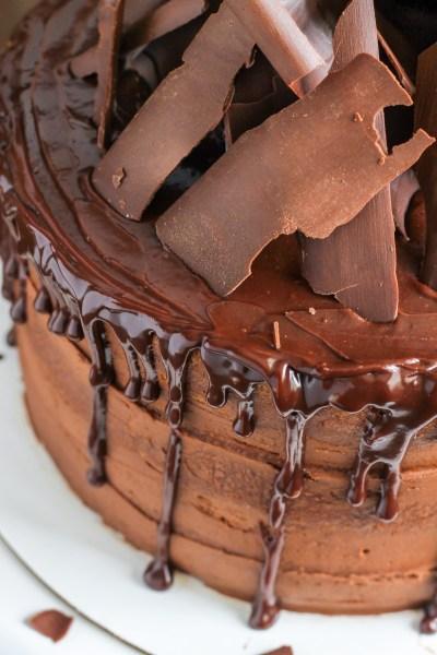 Vanilla Cake with Chocolate Buttercream