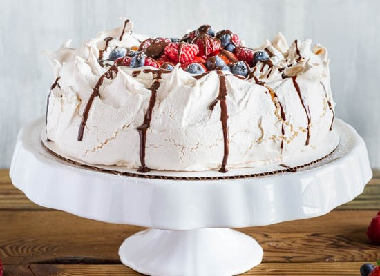 Pavlova with Fresh Whipped Cream