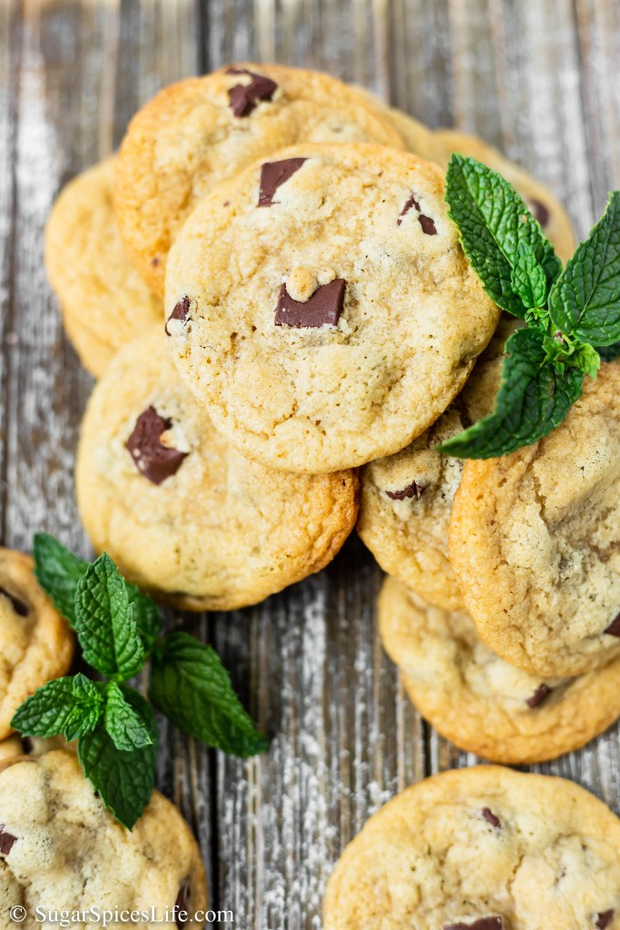 These soft, irresistible Mint Chocolate Chunk Cookies use butter simmered with fresh mint to give a fresh, minty taste. A perfect dessert or afternoon treat!