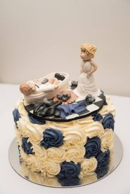 Navy and ivory swirls (Photo by Mi Amore Wedding Photography, topper by Naomi's Shaken & Baken)
