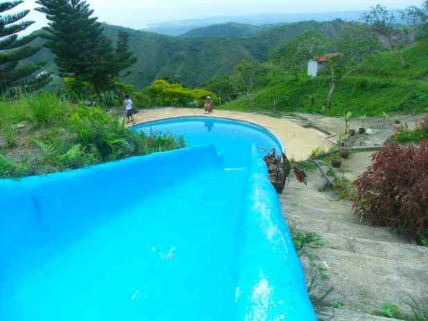 jvrislandinthesky-pool
