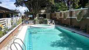 manawa beach resort pool