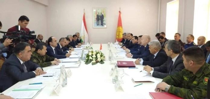 В Исфаре началась встреча официальных делегаций Таджикистана и Кыргызстана