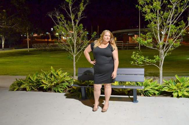 plus size lbd with heels 007