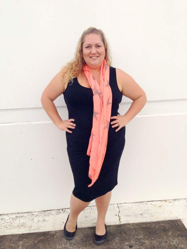 plus size body con outfit with scarf 005