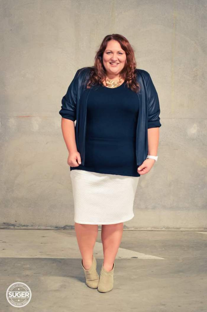 black and white plus-size outfit with boots-4