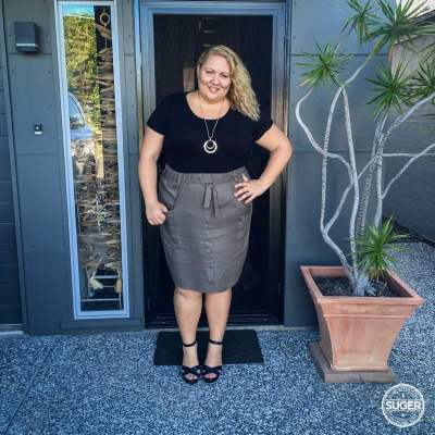 17 sundays cargo skirt plus size dressy casual outfit-2