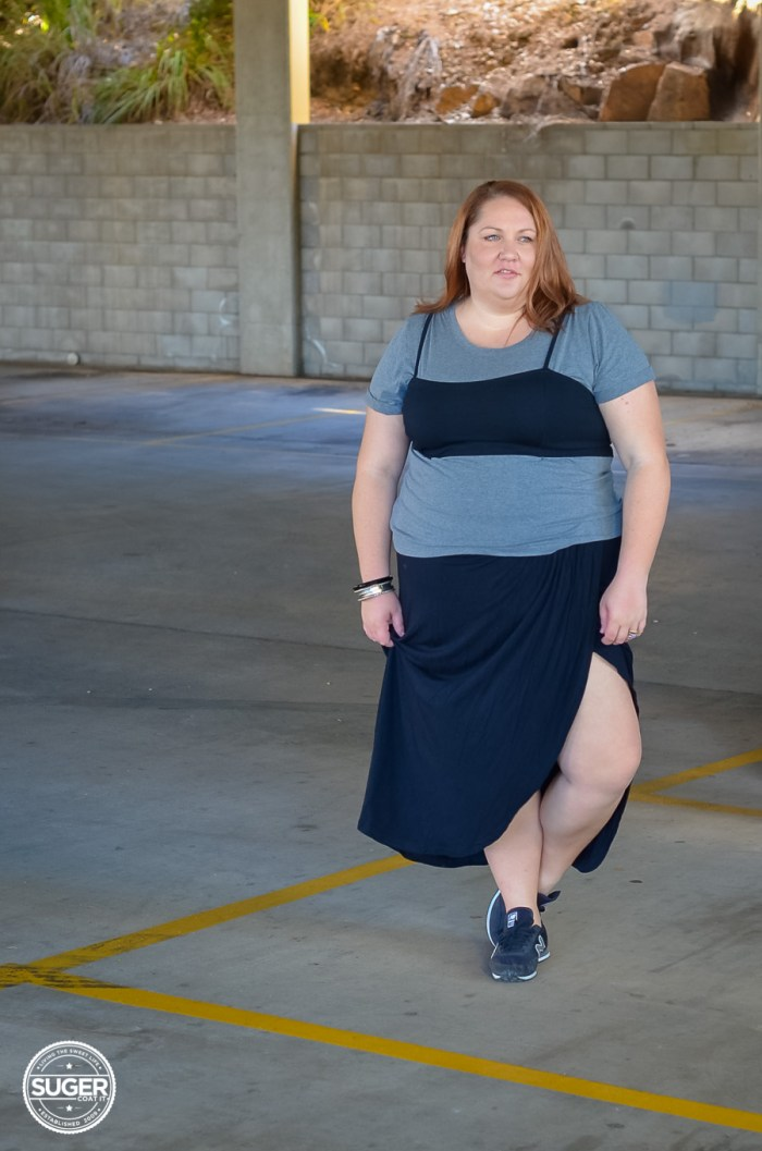 90s style plus size casual outfit with maxi skirt-2