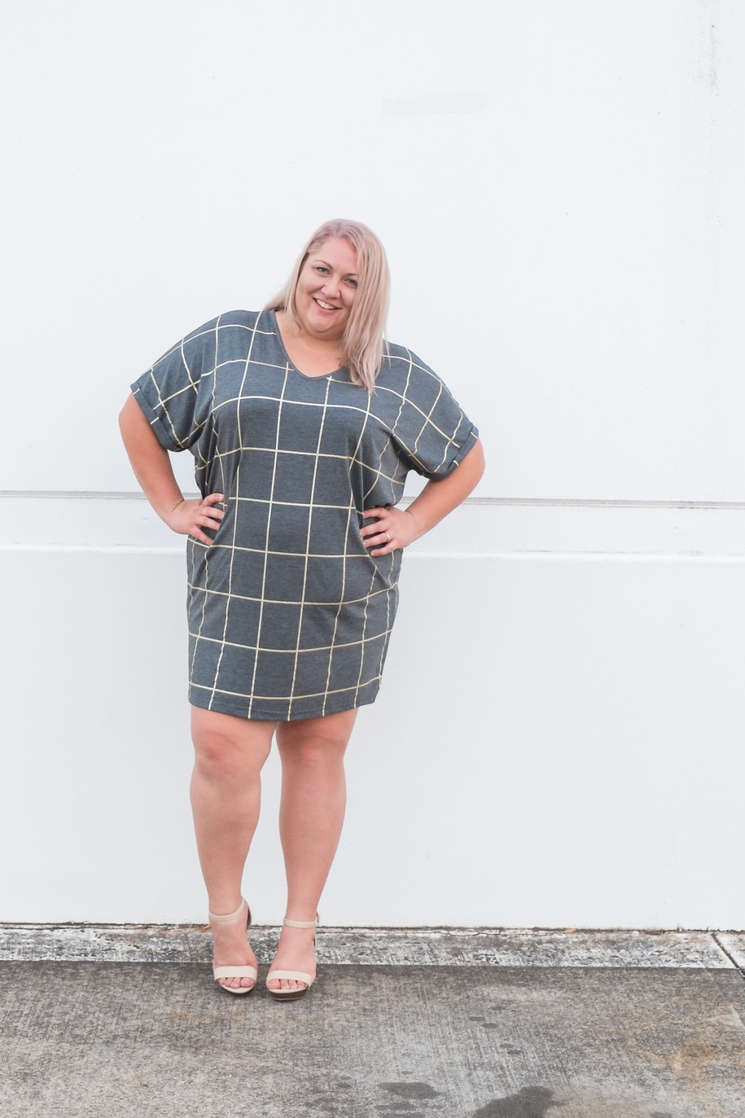 17-sundays-grid-print-dress-plus-size-blogger-5-2
