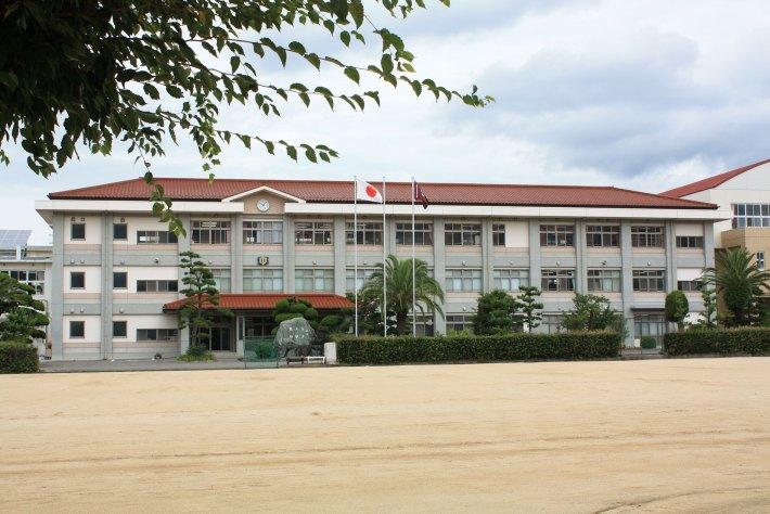 東温市立重信中学校
