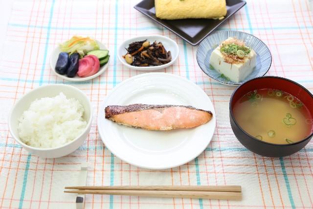銀鮭の焼き魚