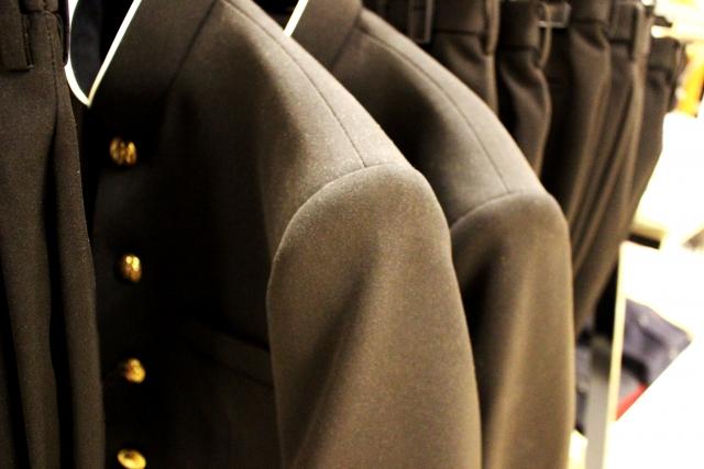 決まった形の制服
