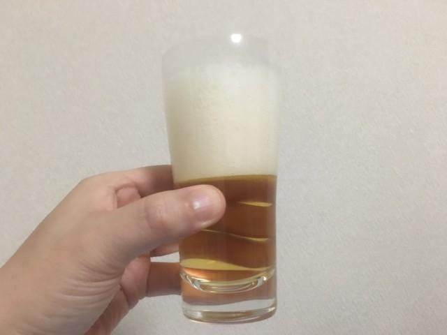 ラガービールは泡が多い