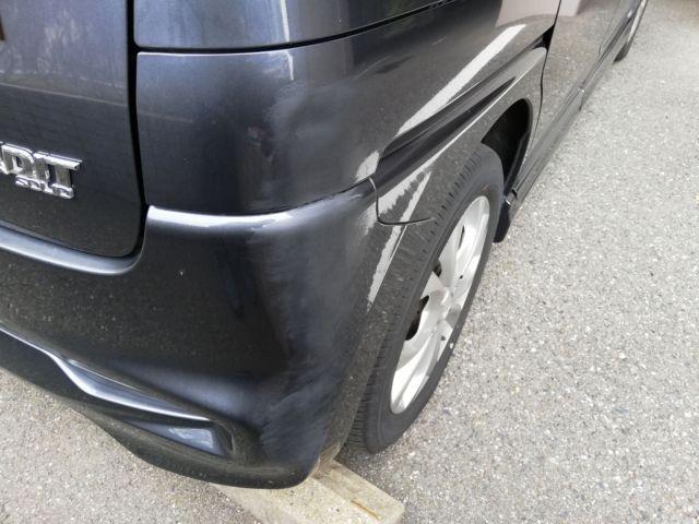 車の傷右側