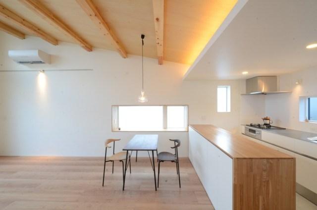30坪で1000万円台のデザイン住宅の建築実例(LDKの内観)