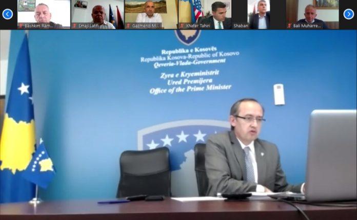 Kryetarët e komunave pajtohen me kryeministrin Hoti për vendosjen e masave të reja anti-COVID