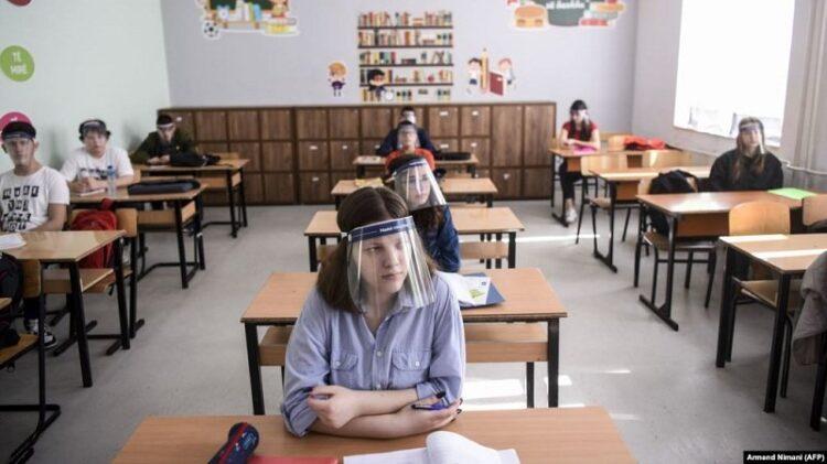 Ministri Likaj e konfirmon: Mësimi fillon të hënën, ndahet në dy faza