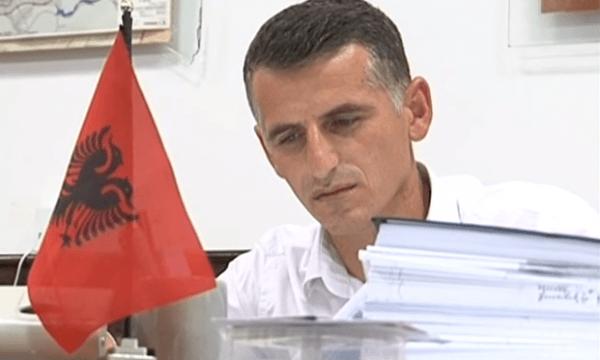 Kur Hysen Durmishi e quante flamurin e Kosovës, flamur i pompës së benzinës