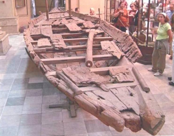 水中考古学 エジプト ダッシャーボート