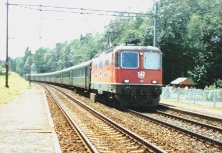 CH - CFF Re 4/4 II à Prangins